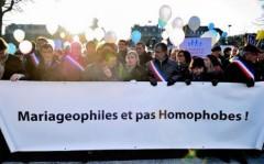 7755616176_des-manifestants-a-lille-contre-le-mariage-gay-samedi-8-decembre-2012.jpg